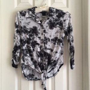 (Juniors XS) Cropped Tie-dye Top